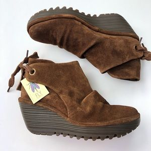 Fly London Yebi in camel NWT ruched suede booties